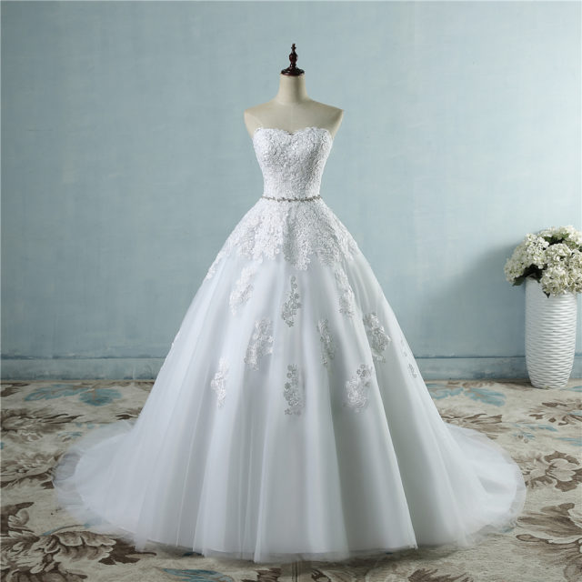 Elegant Long Floral Lace Wedding Dress