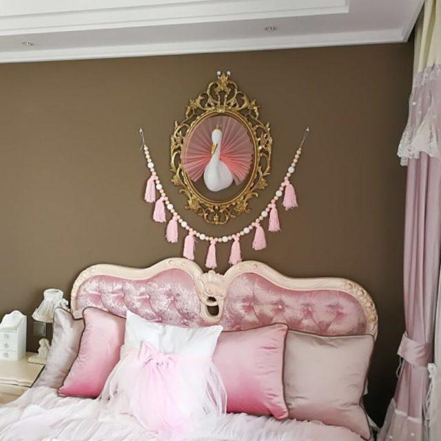 Princess Swan Shaped Wall Decoration