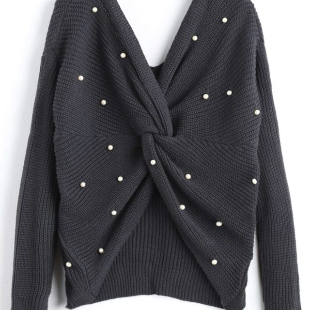 Women's Knitted V-Neck Sweater With Pearl Beading