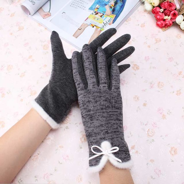 Elegant Warm Cotton and Wool Women's Gloves