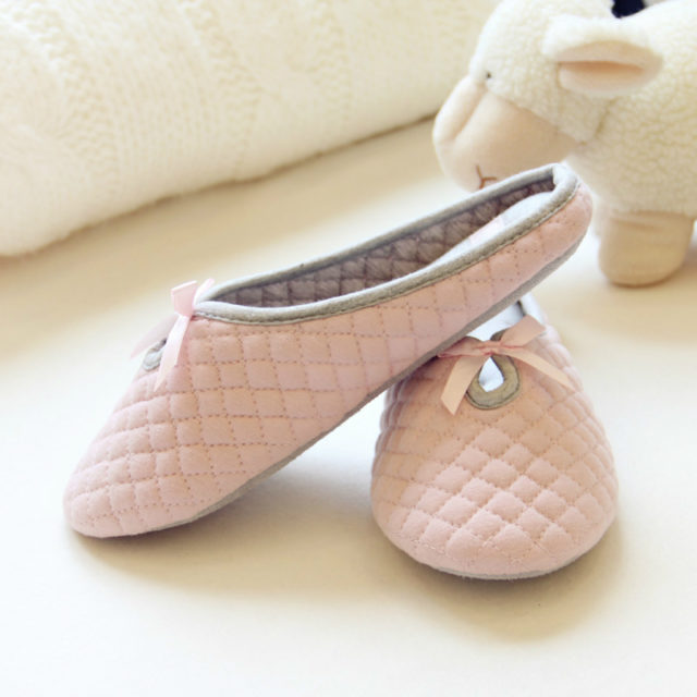 Lovely Women`s Slippers with Bow