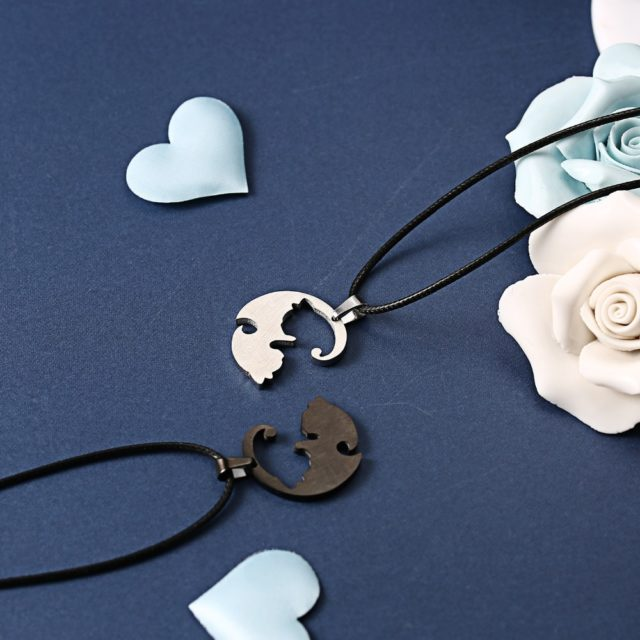 Couple Black and White Cat Shaped Pendant Necklaces