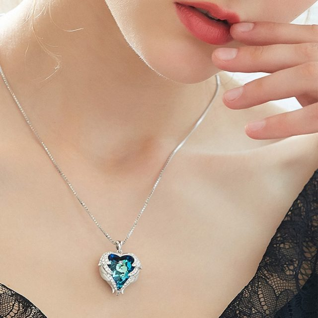 Women's Heart Shaped Crystal Pendant Necklace